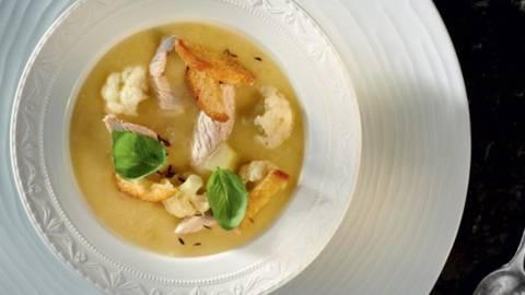 Kremna juha iz puranjih prsi in cvetače