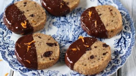 Pirini piškoti s karamelno čokolado in pomarančo