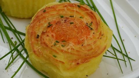 Krompirjev pire z jajčkom