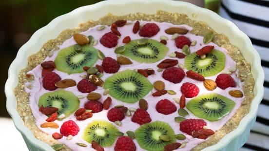 Poletna jogurtova pita