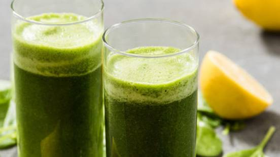 Osvežilen smoothie »Zeleni zmešanček«