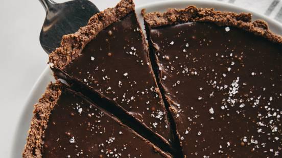 Čokoladna pita s slano karamelo