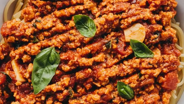Veganska bolonjska omaka