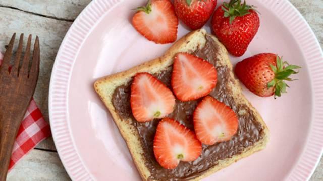 Čokoladno sadni zajtrk