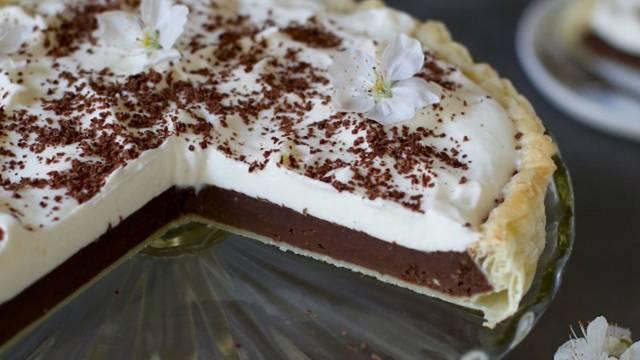 Čokoladna pita s smetano