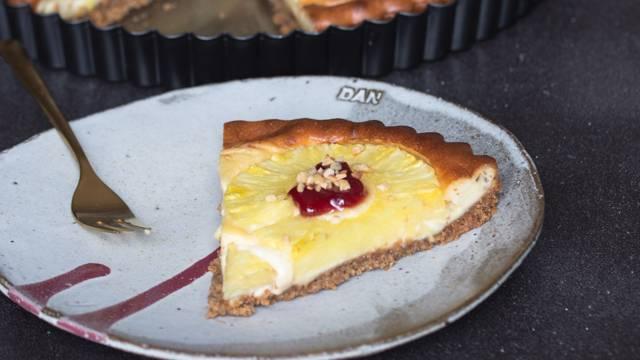 Ananasov cheesecake