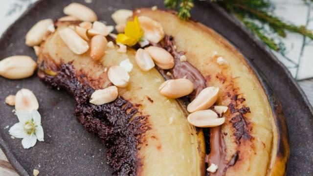 Pečene banane s čokolado