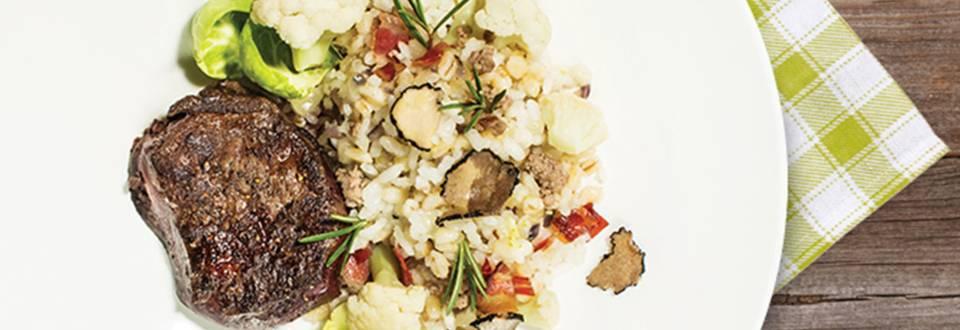 Rižota z jurčki, cvetačo, gosjimi jetri in tartufi