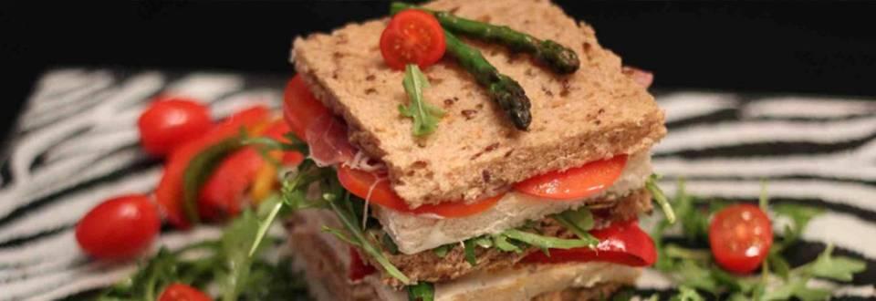 Srečen klubski sendvič