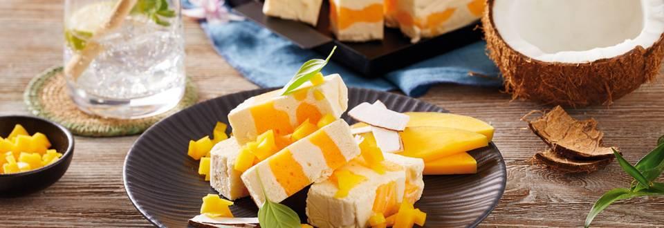 Parfe krema z mangom in kokosom